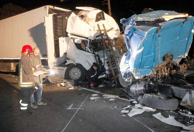 Tragico incidente sulla Romea al km 16, vicino a Casal Borsetti, a due passi da Ferrara, nella notte alle 2,30 (Foto Corelli)