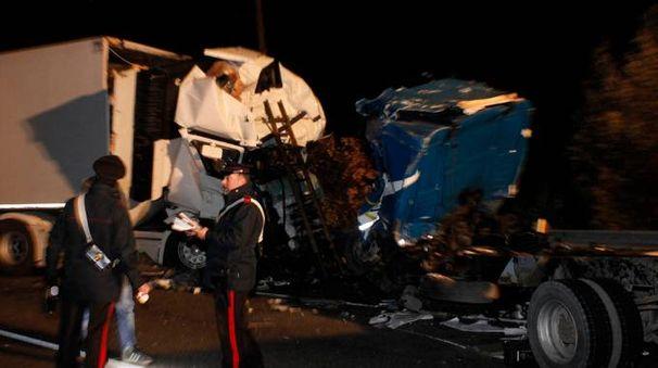 Incidente tra due camion sulla Romea (foto Corelli)
