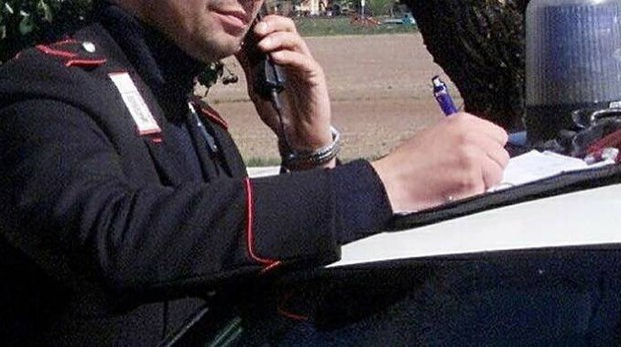 I negozianti hanno chiamato i carabinieri dopo lo scippo
