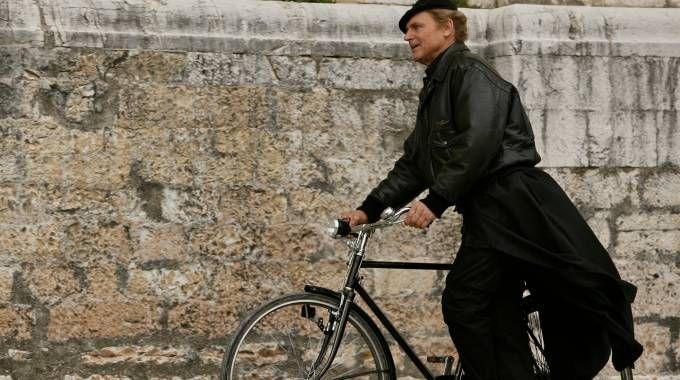 Terence Hill nei panni di Don Matteo (Lapresse)