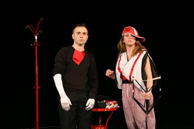 Una scena dello spettacolo 'Scarpette strette' in programma il 4 febbraio