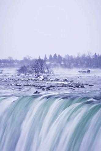 La magia delle cascate del Niagara congelate  (Lapresse)