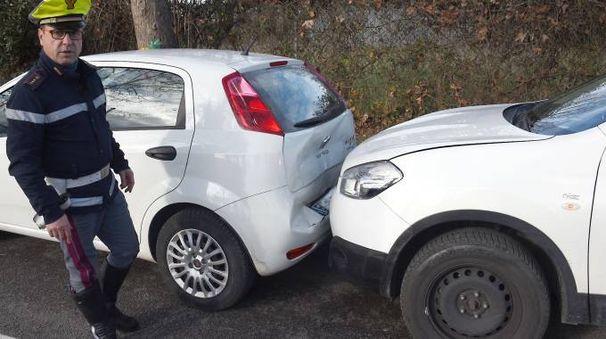 L'incidente dopo il furto, interviene la polizia