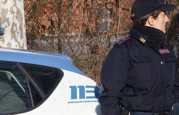 L'intervento della polizia sul luogo del furto e dell'incidente a Rivabella (foto Migliorini)