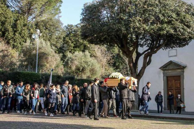 Un momento dei funerali (Tommaso Gasperini / Fotocronache Germogli)