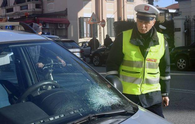La polizia municipale (Foto Delia)
