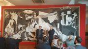 """""""Credo nella potenza delle immagini - ha sottolineato Giulio Bargellini -  e se esiste un'immagine capace di evocare universalmente il valore della pace, quella è certamente Guernica"""