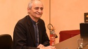L'arcivescovo al Carlino ha premiato i Presepi votati dai lettori con i tagliandi ritagliati sul nostro giornale (foto Schicchi)