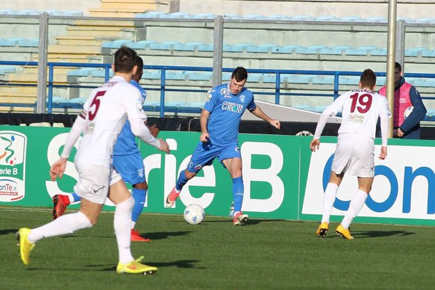 Empoli-Pontedera 0-0, un'azione dell'amichevole (Germogli)