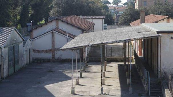 EX CASERMA L'area in angolo tra via Bixio e via Guidarelli