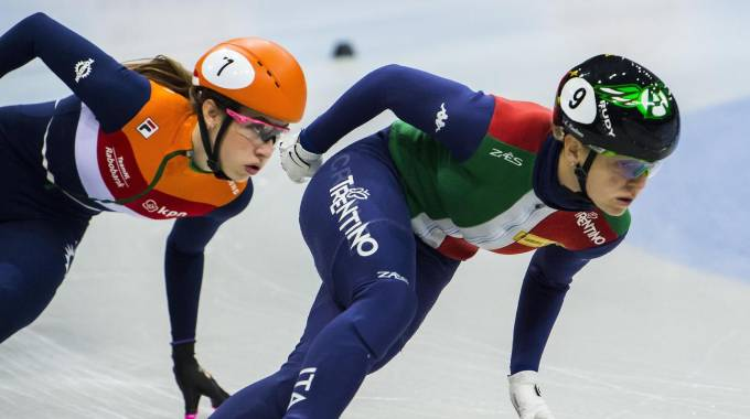 Arianna Fontana in gara nella finale dei 1.000 metri (Ansa)