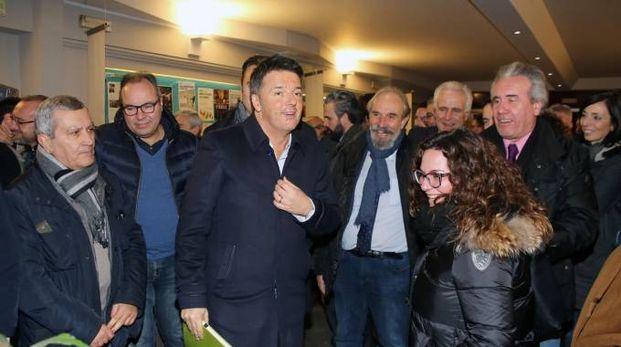 Matteo Renzi al circolo 'Le Vie Nuove' (foto NewPressPhoto)