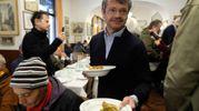 Segrè serve ai tavoli (foto Schicchi)