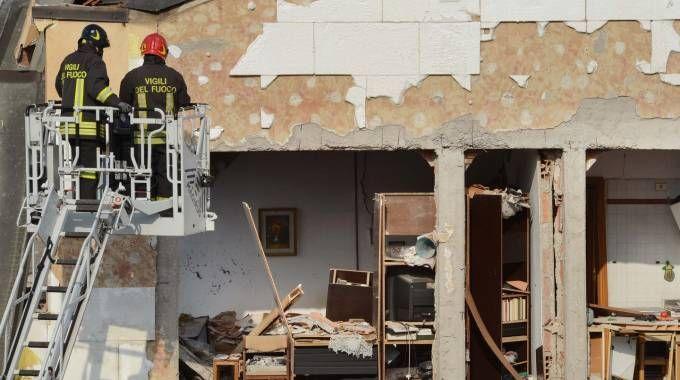 Esplosione palazzina via Villoresi a Sesto