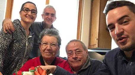 Tobia Foresta con la moglie Bianca Iudicone e il figlio Marco