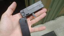 Lifecard 22, la pistola grande come una carta di credito (Ansa)