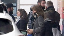 Accompagnatori e seguito, la principessa sbarca dalla Mercedes