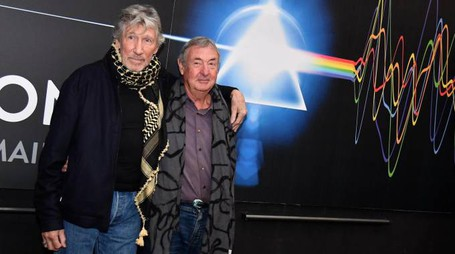 Roger Waters e Nick Mason presentano 'The Pink Floyd Exhibition' (Ansa)