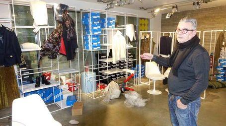 Furto nel negozio Massimo Rebecchi a Viareggio (foto Umicini)