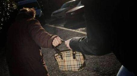 Un'altra donna assalita nel centro della città