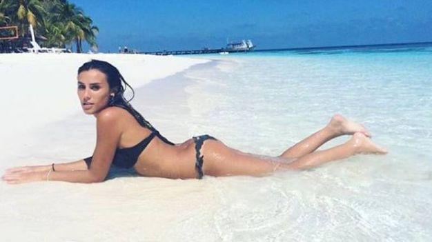 Laura si rilassa al mare (da Instagram)