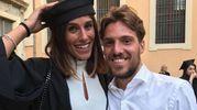 Laura Della Villa nel giorno in cui ha consguito il master, con Simone Verdi