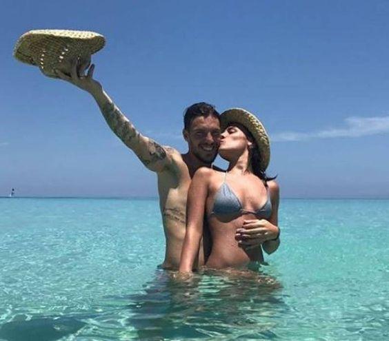 Simone e Laura in vacanza (da Instagram)