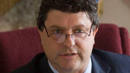 Paolo Grassi (Pd), che è anche vice presidente della Provincia, volta pagina nella questione dell'accoglienza ai migranti