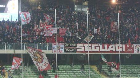 I tifosi del Bari a Cesena (foto Ravaglia)