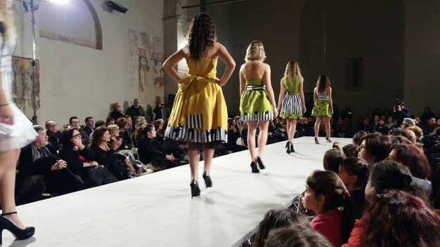 In passerella ottanta capolavori tessili creati e indossati dagli allievi (foto Andolfi)