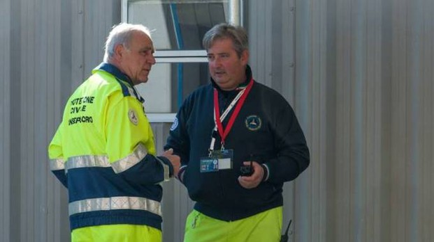 Due volontari del gruppo comunale biturgense di protezione civile