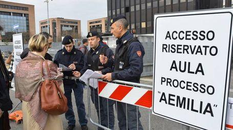 'ndrangheta, controlli al maxi processo 'Aemilia' a Reggio Emilia (Foto Artioli)