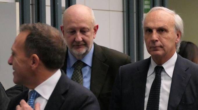 L'ex dg (a destra) in tribunale