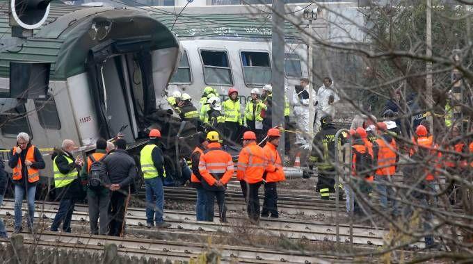 Treno deragliato nel Milanese