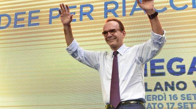Stefano Parisi candidato del centrodestra in Lazio (Ansa)