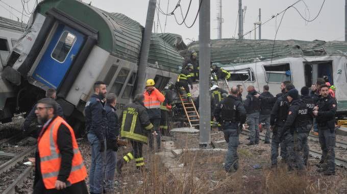 Disastro ferroviario a Pioltello, i soccorsi (Newpress)