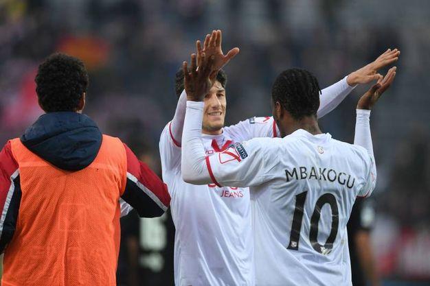 Carpi - Spezia: l'esultanza dopo il gol di Mbakogu (Foto Lapresse)