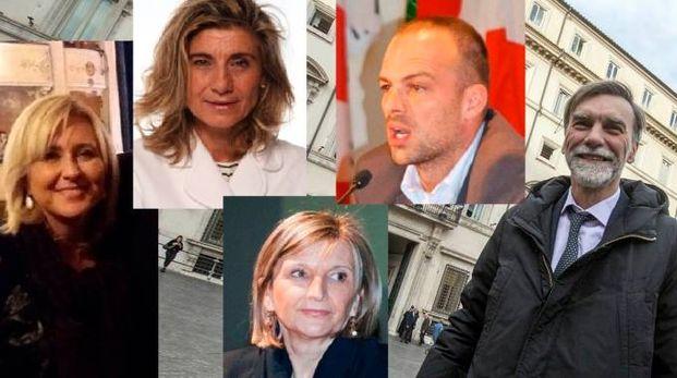 Da sinistra Licia Ferrari, Antonella Incerti, Vanna Iori, Andrea Rossi e Graziano Delrio