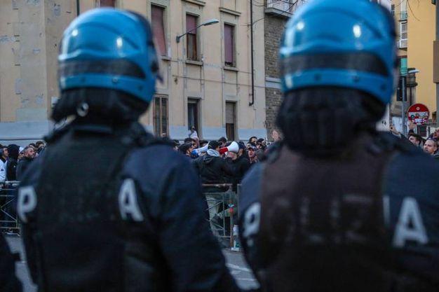 La contestazione dei tifosi viola dopo la sconfitta della Fiorentina contro il  Verona (Germogli)