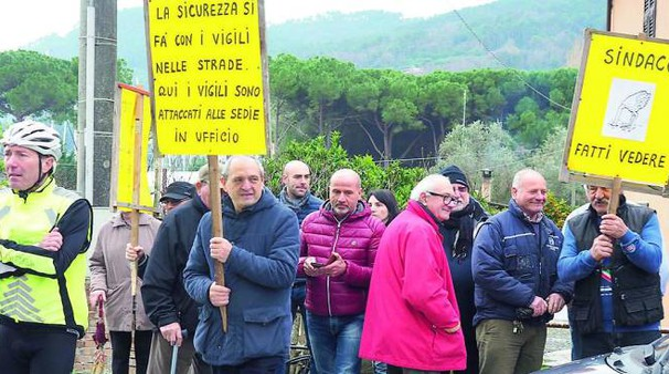 La manifestazione che si è svolta sabato sulla LitoraneaPROTESTA La manifestazione che si è svolta sabato sulla Litoranea