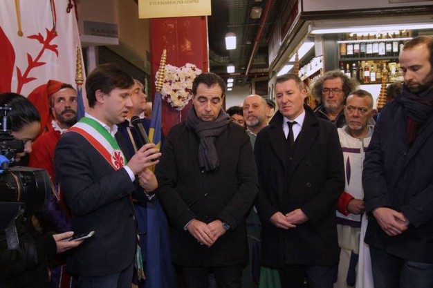 Una targa per Niccolò Ciatti al Mercato centrale (New Press Photo)