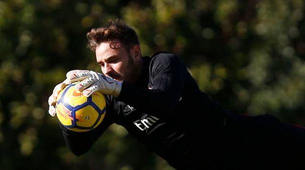 Il portiere Gabriel con la maglia del Milan (foto LaPresse)