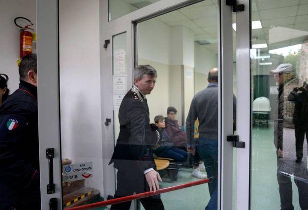 I Ris dei Carabinieri all'obitorio di Macerata (foto Calavita)