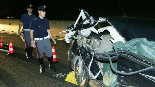 Le immagini del terribile impatto tra l'auto e il tir, lungo la Fi-Pi-Li  il 20 giugno del 2016, in cui morirono due sorelline di nove e sei anni