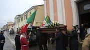 Una folla commossa per l'addio ad Azeglio Vicini (foto Ravaglia)