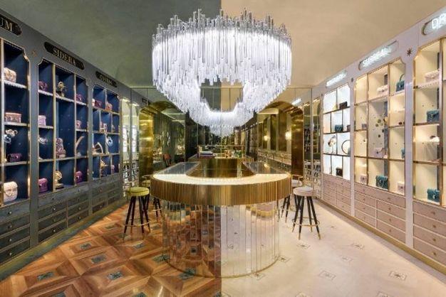Bulgari New Curiosity Shop a Roma via Condotti