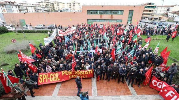 La manifestazione in solidarietà al sindaco (Tommaso Gasperini / Fotocronache Germogli)