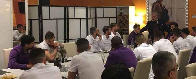 Blitz di Andrea e Diego Della Valle nel ritiro della Fiorentina (foto da Viola Channel)