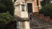 Luca Trini sul Monumento ai Caduti, prima dell'arresto