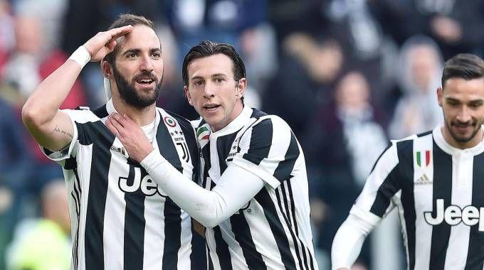Juventus-Sassuolo, gol di Higuain (Ansa)